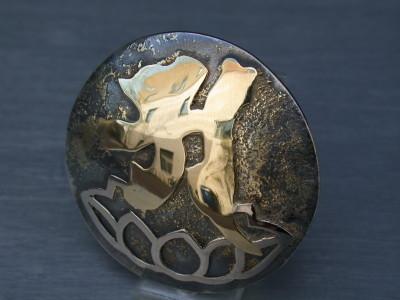 basis zilver met afbeelding van goud
