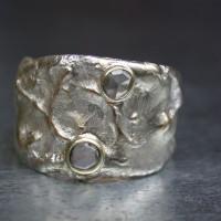 diamanten beeldhoudring bijzonder ontwerp afbeelding ring. met diamant