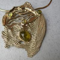 oude sieraden gesmolten tot nieuw ontwerp gouden hanger. Met toermalijn exclusief ontwerp edelsmid arnhem