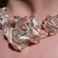 roos collier zilver unicum arnhem. handgemaakt edelsmid afbeelbingen
