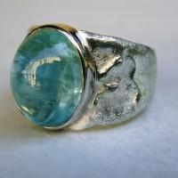 sieraad blauwe cabuchon toermalijn met goud unieke sieraden