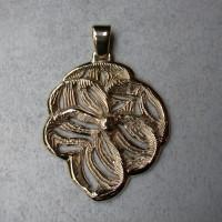 smelt goud opnieuw verwerkt tot hanger uniek ontwerp edelsmid arnhem goudsmid
