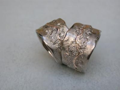 wit gouden diamant met roodgoud trouwringen