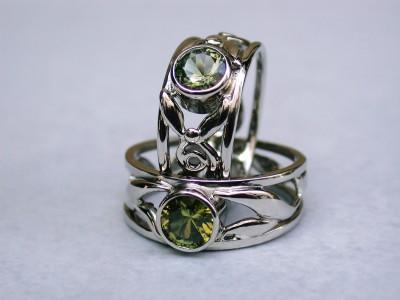 wit gouden trouwringen met toermalijn afbeelding arnhem edelsmid handgemaakt