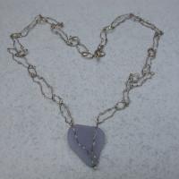witgouden collier met chalcedoon Uniek ontwerp  edelsmid arnhem afbeeldingen