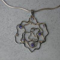 witgouden hanger met tanzaniet en diamant afbeeldingen arnhem edelsmid