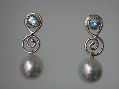 witgouden  oorbellen met aquamarijn en zuid zee parels afbeeldingen  handgemaakt arnhem