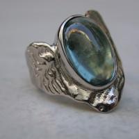 witgouden ring gietring sepia met blauwe toermalijn