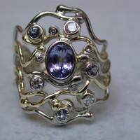 witgouden sieraad met tanzaniet en diamant handgemaakte ontwerpen ernhem